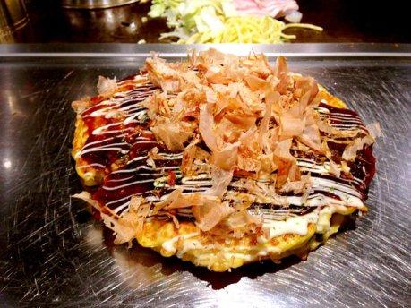 breads-okonomiyaki-wikimedia-ZhengZhou-4x3.jpg