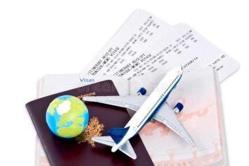 documenti-di-viaggio-e-passaporto-13962364.jpg